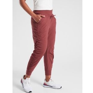 ATHLETA Attitude Lined Pant Maple Red Size 2
